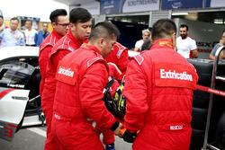 Extrication practice with Renger van der Zande, Honda Motor, Honda NSX GT3