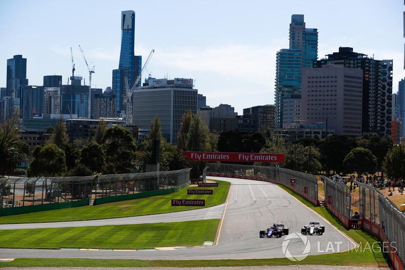 Brendon Hartley, Toro Rosso STR13 Honda, Charles Leclerc, Sauber C37 Ferrari