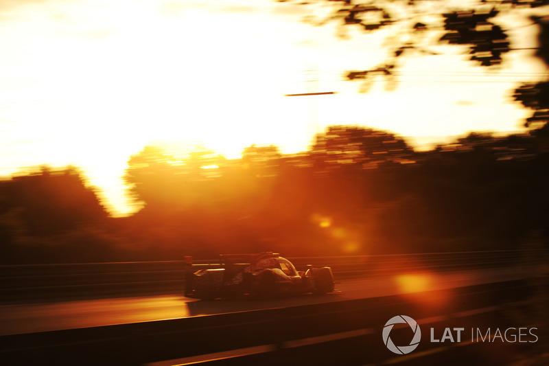 #38 Jackie Chan DC Racing Oreca 07 Gibson: Ho-Pin Tung, Stéphane Richelmi, Gabriel Aubry