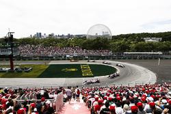 Серхио Перес, Sahara Force India F1 VJM11, Пьер Гасли, Scuderia Toro Rosso STR13, и Сергей Сироткин, Williams FW41