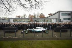 Льюіс Хемілтон, Mercedes AMG F1, керівник Mercedes AMG F1 Тото Вольфф, невиконавчий директор Mercedes AMG F1 Нікі Лауда, команда