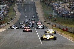 Start: René Arnoux, Renault RE30B and teammate Alain Prost, Renault RE30B lead the rest of the field