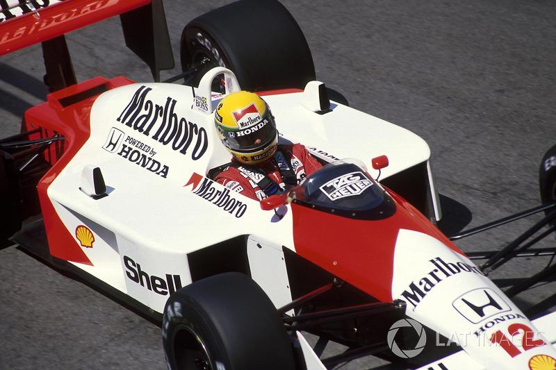 14. Sólo Senna y Niki Lauda (1975 y 1977) fueron campeones del mundo en la historia de la F1 utilizando el coche número 12.