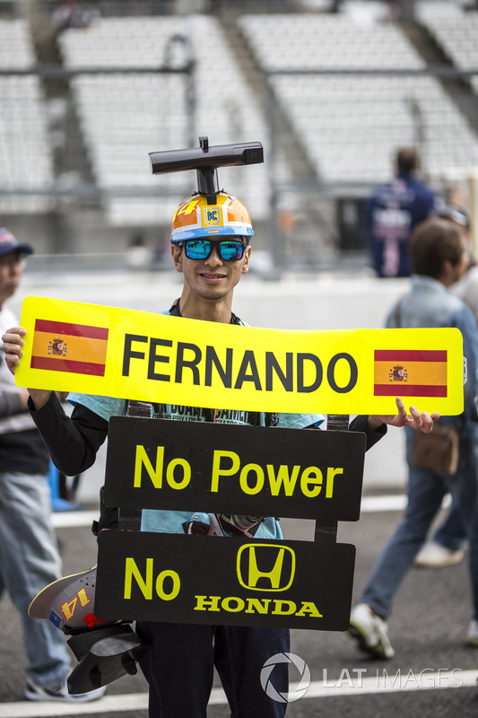 Fernando Alonso, McLaren fan and message