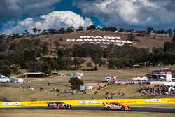 Scott McLaughlin, Team Penske Ford, Shane van Gisbergen, Triple Eight Race Engineering Holden