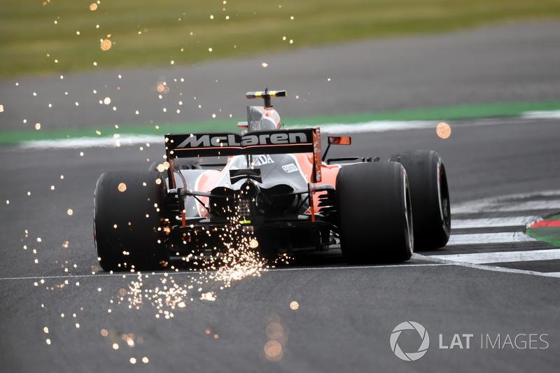 Stoffel Vandoorne au volant de la McLaren MCL32