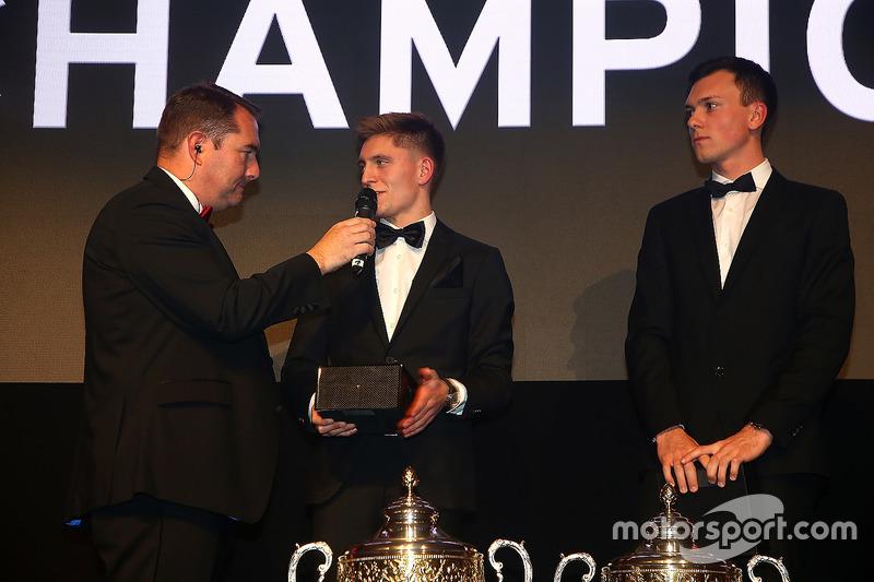 Pilotos 2016, Dominik Baumann, Maximilian Buhk, campeones