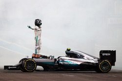 Nico Rosberg, Mercedes AMG F1 W07 Hybrid celebrates his second position and World Championship at the end of the race