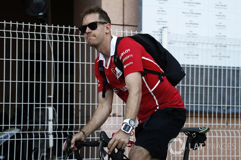 Sebastian Vettel, Ferrari sur un vélo