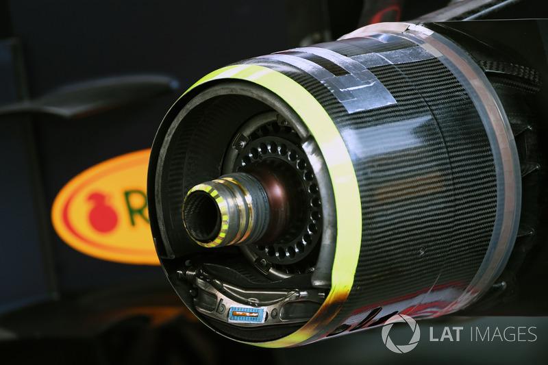 Кріплення переднього колеса Red Bull Racing RB13