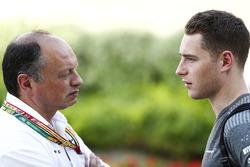 Руководитель команды ART Фредерик Вассёр и гонщик McLaren Стоффель Вандорн