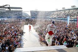 Podium: winner Lucas di Grassi, ABT Schaeffler Audi Sport, second place Jérôme d'Ambrosio, Dragon Racing celebrate with champagne