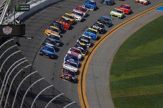 Kyle Busch, Joe Gibbs Racing, Toyota Camry M&M's Chocolate Bar leads