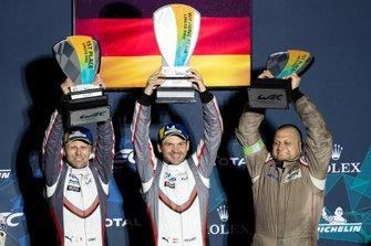 Podio GTLM: Winner #91 Porsche GT Team Porsche 911 RSR: Richard Lietz, Gianmaria Bruni