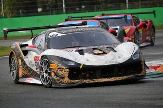 #500 Ferrari 488, Denker Group: Evan Mak