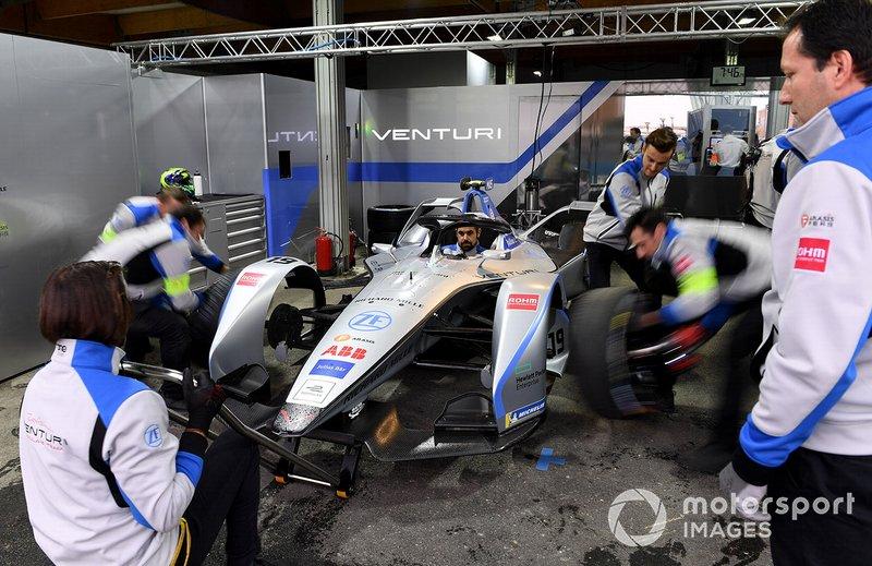 Cambio de neumáticos al auto de Felipe Massa , Venturi Formula E, Venturi VFE05.