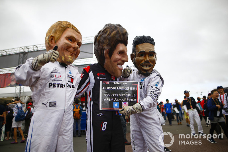 Karikatur Valtteri Bottas, Mercedes AMG F1, Romain Grosjean, Haas F1 Team, dan Lewis Hamilton, Mercedes AMG F1