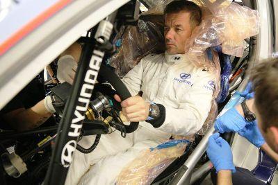 Sébastien Loeb fa il sedile per Hyundai Motorsport
