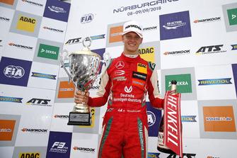 Podium : Le vainqueur Mick Schumacher, PREMA Theodore Racing Dallara F317 - Mercedes-Benz