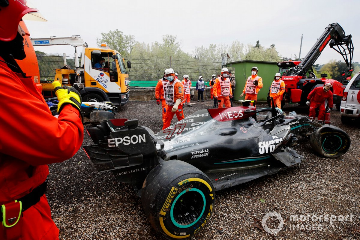 I marshall recuperano la Mercedes W12 incidentata di Bottas