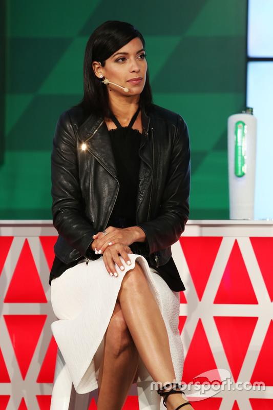 Stephanie Sigman, actriz, en el anuncio de patrocinio de Heineken