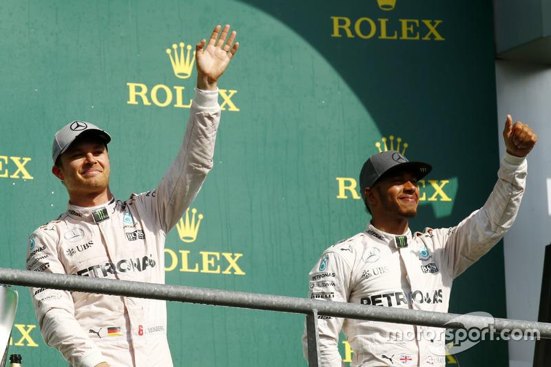Podyum: 1. Nico Rosberg, Mercedes AMG F1, 3. Lewis Hamilton, Mercedes AMG F1
