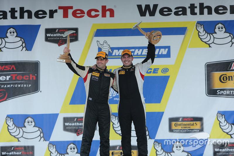 ST Class winners #93 HART Honda Civic Si: Chad Gilsinger, Ryan Eversley