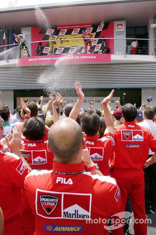 Podium: race winner Valentino Rossi, Repsol Honda Team, second place Max Biaggi, Pramac Pons, third place Troy Bayliss, Ducati Team