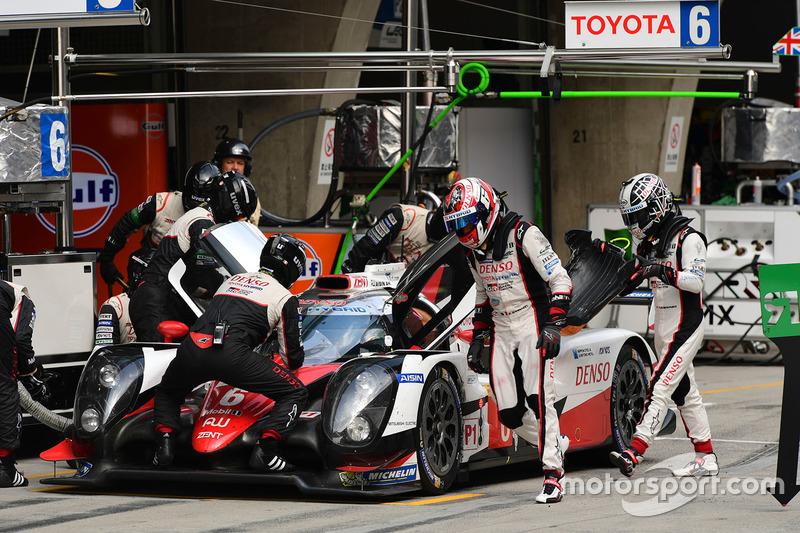 El Toyota #6 Toyota de Stéphane Sarrazin, Mike Conway y Kamui Kobayashi