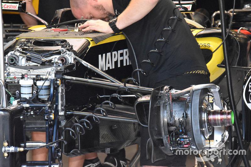 Vue détaillée des freins avant de la Renault Sport F1 Team R.S. 18