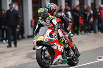 Cal Crutchlow, Team LCR Honda, mit Bradley Smith, Red Bull KTM Factory Racing
