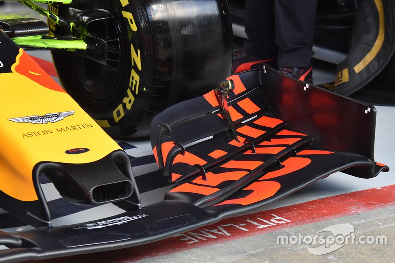 Переднее антикрыло Red Bull Racing RB15
