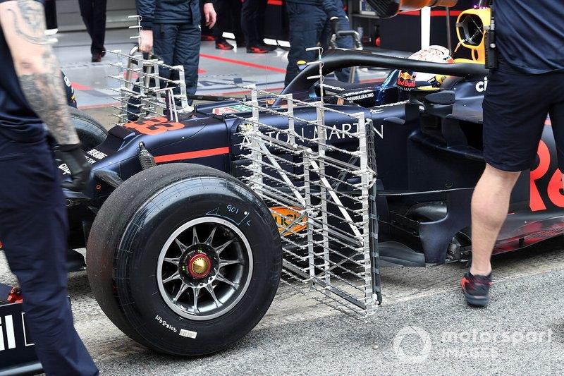 Max Verstappen, Red Bull Racing RB15 with aero sensors