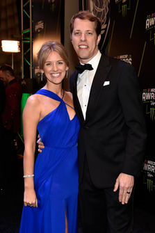 Brad Keselowski con la moglie Paige