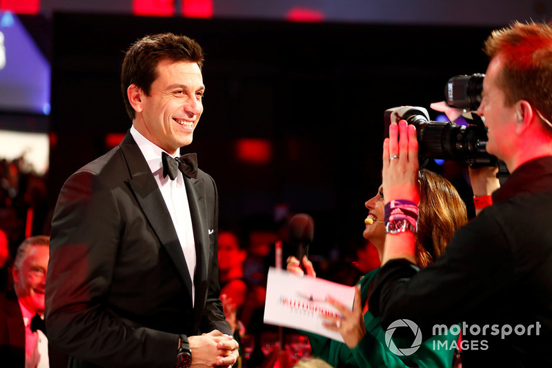 Toto Wolff con Louise Beckett