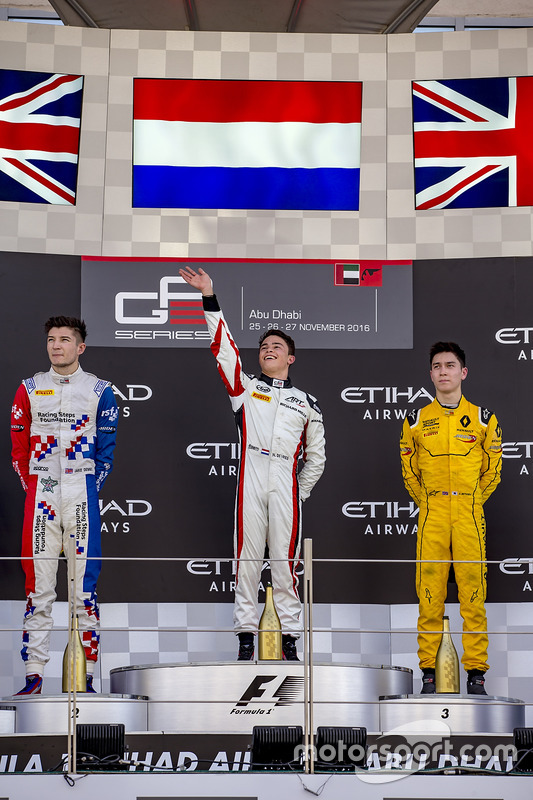 Segundo lugar Jake Dennis, Arden International, ganador de la carrrea Nyck De Vries, ART Grand Prix