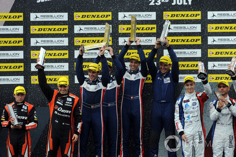 P2 Podio: Ganadores de la carrera #32 United Autosports, Ligier JSP217 - Gibson: William Owen, Hugo