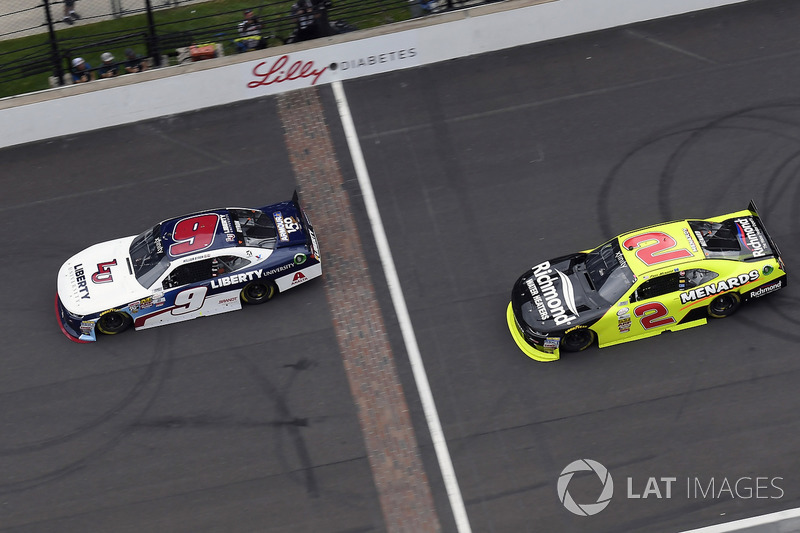 William Byron, JR Motorsports Chevrolet takes the checkered flag and the win in front of Paul Menard, Richard Childress Racing Chevrolet