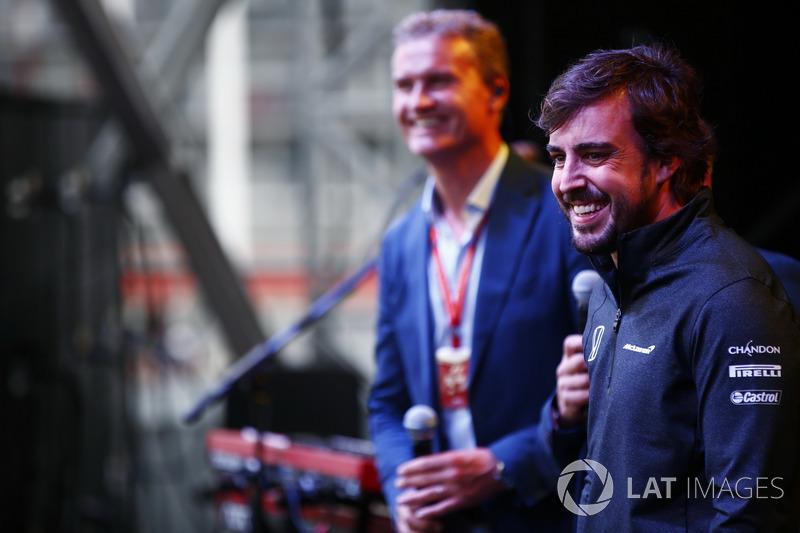 Fernando Alonso, McLaren, en el escenario
