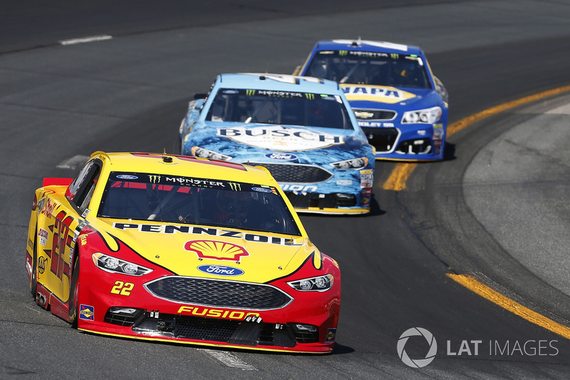 Joey Logano, Team Penske Ford Kevin Harvick, Stewart-Haas Racing Ford