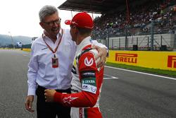 Mick Schumacher talks to Ross Brawn, Managing Director of Motorsports, FOM
