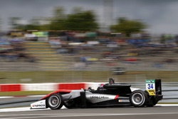 Джейк Х'юз, Hitech Grand Prix, Dallara F317 - Mercedes-Benz