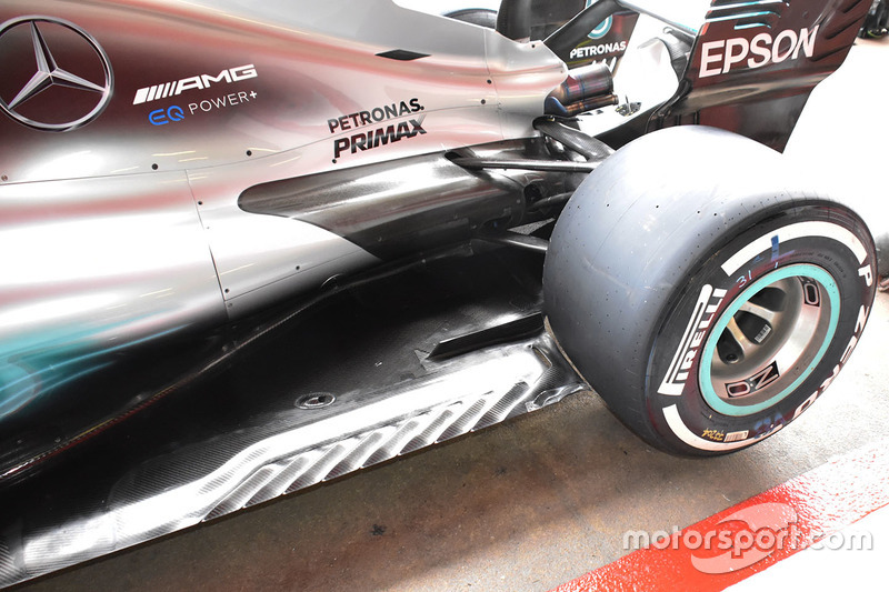 Задняя часть Mercedes AMG F1 W08