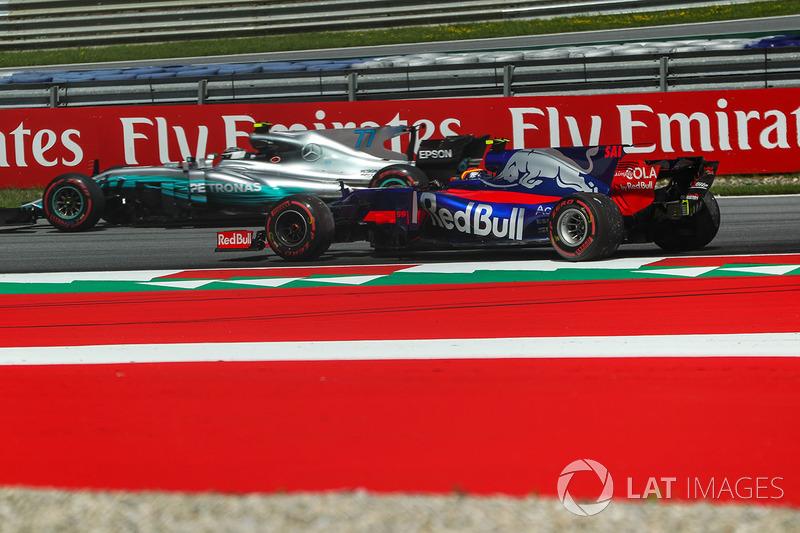 Валттері Боттас, Mercedes AMG F1 W08, Карлос Сайнс-молодший, Scuderia Toro Rosso STR12
