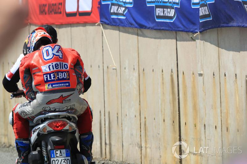 Andrea Dovizioso tras su accidente