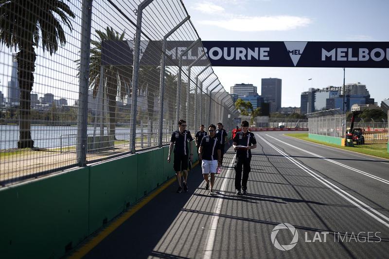 Sergio Perez, Force India walks the track