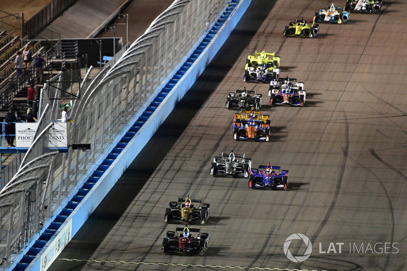 Wickens leads Schmidt Peterson Motorsports teammate Hinchcliffe, Rossi, and eventual winner Newgarden on the final restart at Phoenix last year. It was Wickens' first ever oval race.