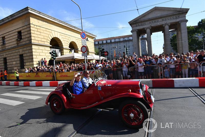 Brendon Hartley, Scuderia Toro Rosso in vintage car
