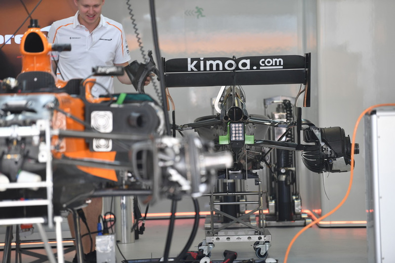 McLaren MCL33 rear end