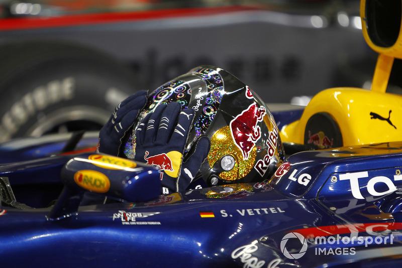 Себастьян натурально рыдал в радиоэфире, когда ему сообщили, что он стал чемпионом мира. Самым молодым в истории Формулы 1
